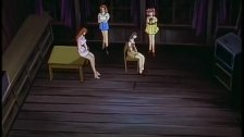 Chicas investigan una casa y son abusadas por un Idiota.